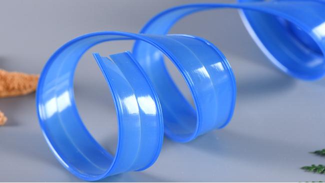 塑胶轨道拉链